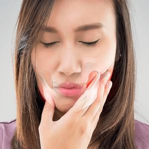 Kieferknacken - Anzeichen einer Kieferfehlstellung