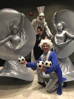 Cirque live Silver Diva Statue