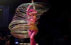 Hula-Hoops Manipulation Cirque Acts
