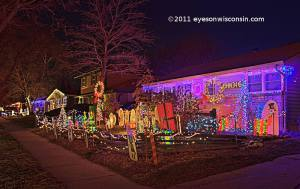 candycanelane-christmaslights-milwaukeewi