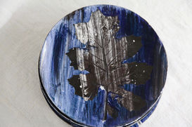 8 Blue Acanthus Dinner Plates, 2020