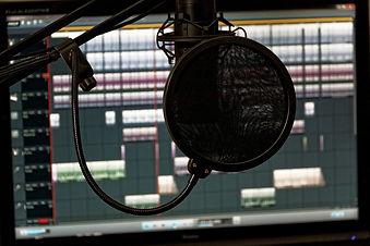 studio-1003136_1920.jpg