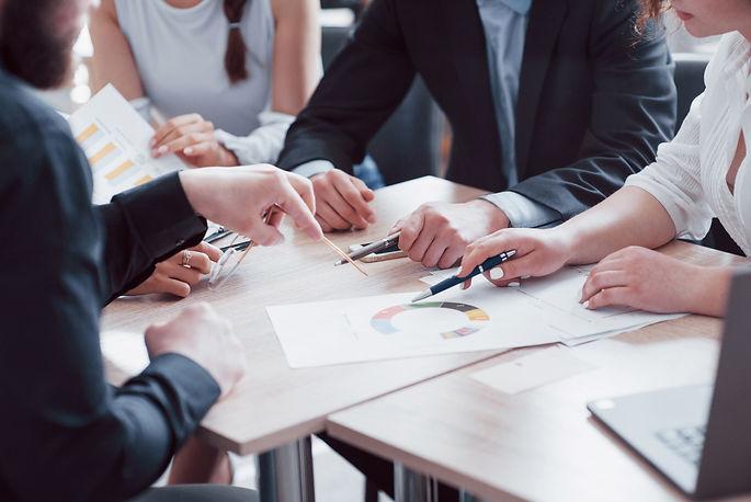 cometal engineerin-business-meeting