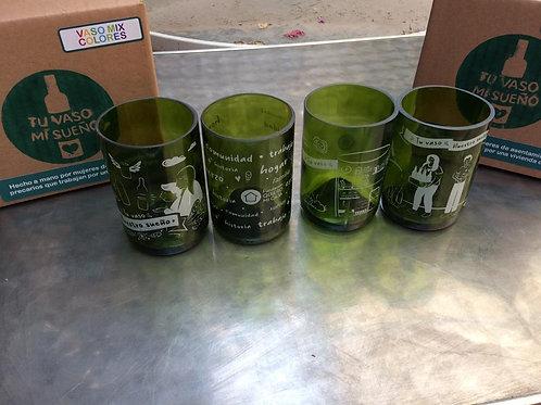 Set de 4 vasos verdes con 4 diseños diferentes