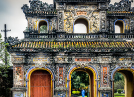 Take a look at the prettiest gate of Vietnam
