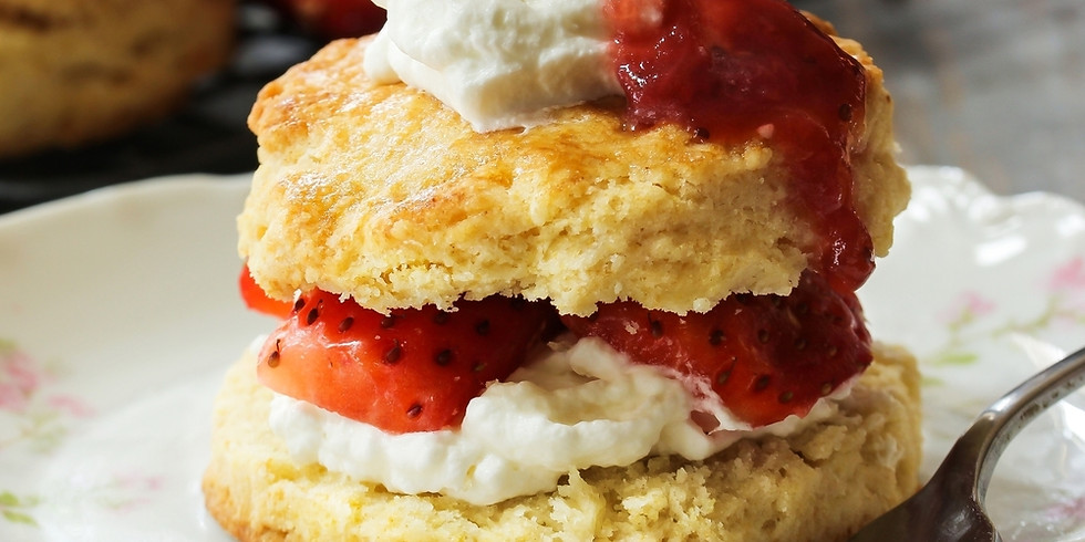 Online American Baking - Strawberry and vanilla cream filled strawberry shortcake