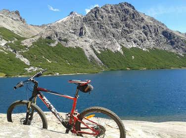 Refugio Jakob en Bici https://www.patagoniabiketrips.com/