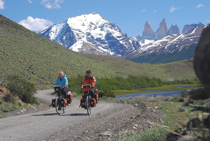 027_Cycling_Torres_del_Paine_edited.jpg