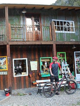 Colonia Suiza en Bicicleta | Curanto Colonia Suiza | Feria Colonia Suiza | Alquiler de biciclets Colonia Suiza | Turismo Aventura Bariloche | Que hacer en Bariloche | Lago Moreno en Bicicleta |