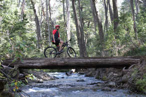Cascada Los Duendes en bici -  Lago Gutierrez - https://www.patagoniabiketrips.com/