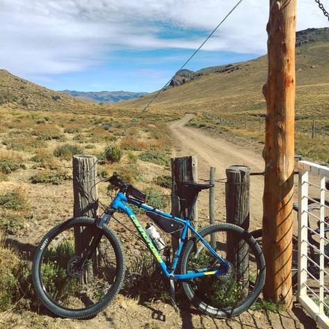 Villa Llanquin en Bici - Patagonia Bike Trips - www.patagoniabiketrips.com