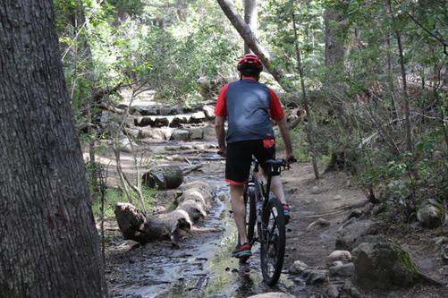 Cascada Los Duendes en Bicicleta -https://www.patagoniabiketrips.com/