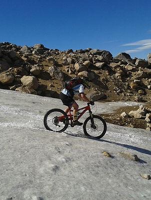 Alquiler de bicicletas MTB de Enduro y Downhill en Bariloche | Alquiler de biciclea doble suspension en Argentina | Rent a full supension Bike in Bariloche | Enduro bicycles in bariloche | Dh bicycles in bariloche | Cerro Cateral en bicicleta | Cerro Otto en bicicleta | Excursion en bicicleta San Martin de los Andes | Alquiler de bicicletas en Villa la Angostura | Viajes y tours en MTB Bariloche - Patagonia - Argentina - Chile
