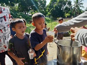 AHMADI YOUTH IN SINUNUC RESUMED 'FEEDING PROGRAM'