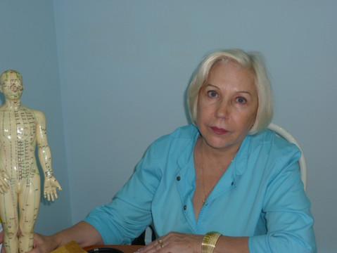Рефлексотерапевт и невролог Комелькова Наталья Николаевна