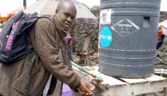Kvekerhjelp bidrar til folkeopplysning om Ebola