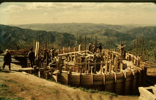 Under_ Et av fire vanntårn som ble bygge