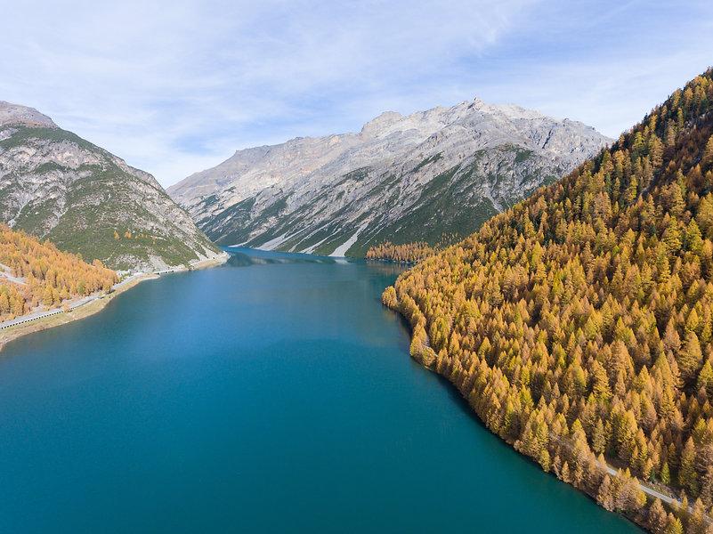 Lake of Livigno in Valtellina - Aerial v