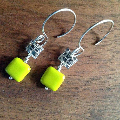Silver Woven with Chartruese Chicklet shaped bead