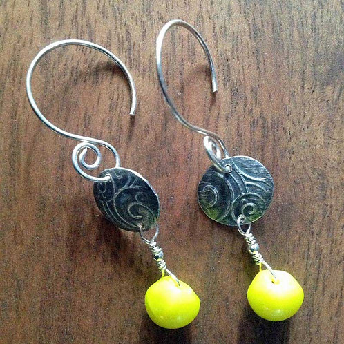 Silver Swirl with yellow bead