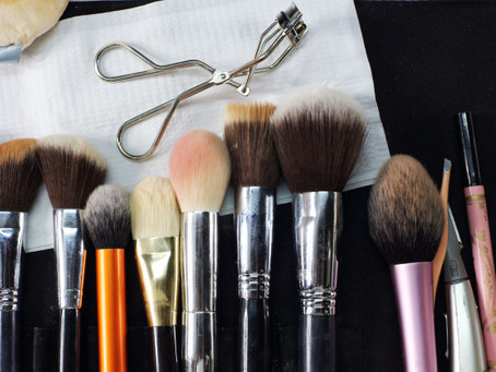 Makeup 101: Good Hygiene Starts with Clean Makeup Brushes