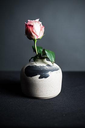 BW Vase 7