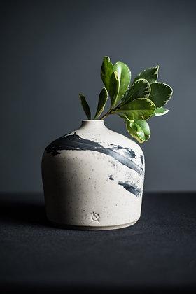 BW Vase 6