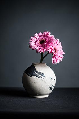 BW Vase 4