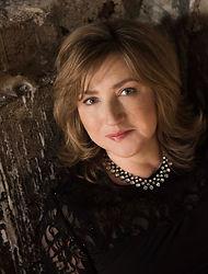 Lucy Parham 2.jpg