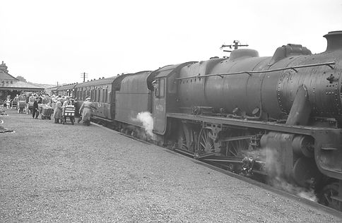 Steam train at Lochwinnoch Station