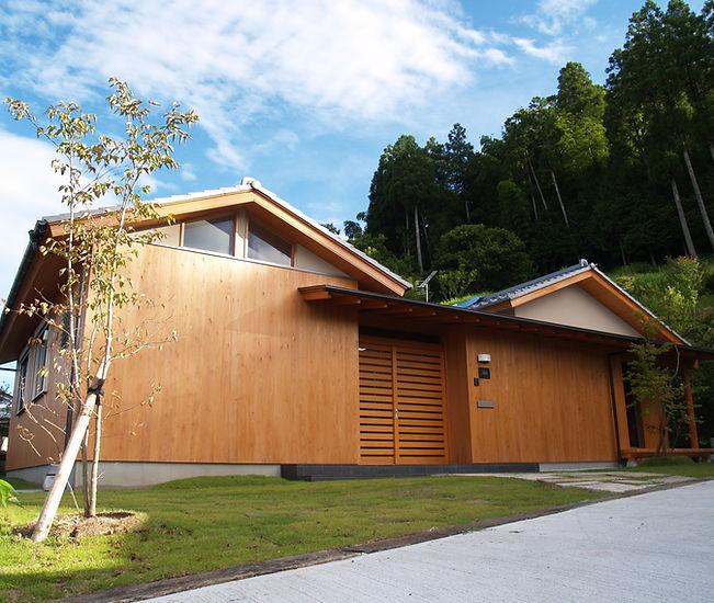 安達文男建築工房 木の家