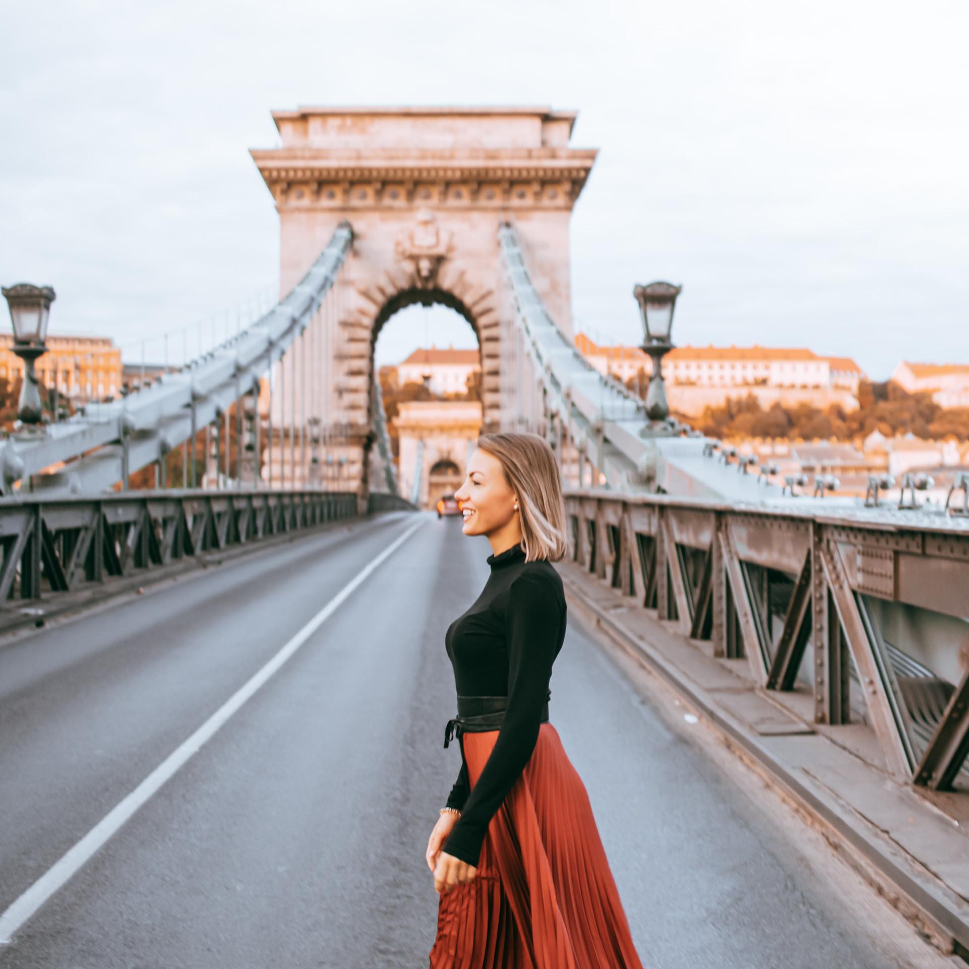 Budapest Photoshoot Anika Chain Bridge
