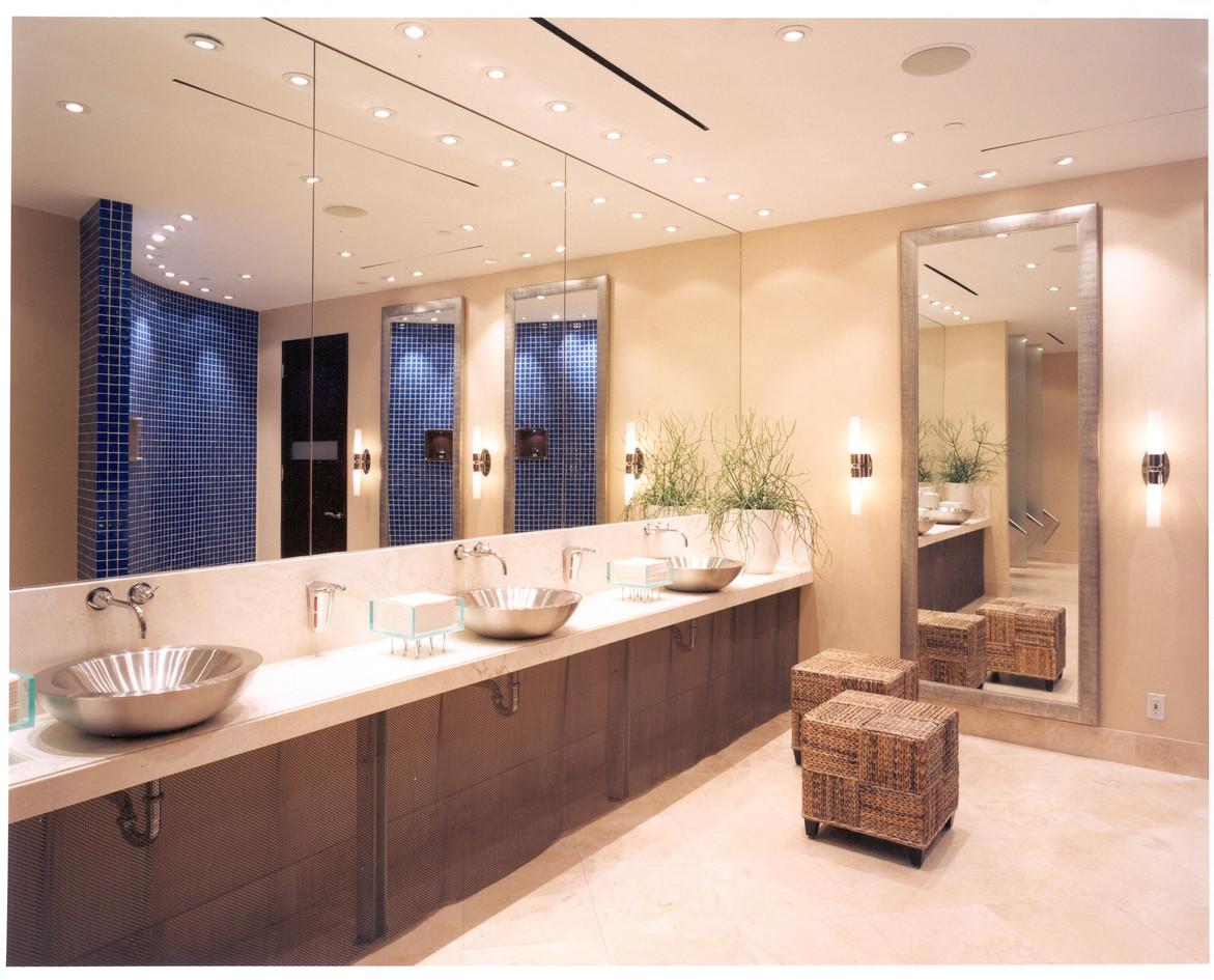 HR mens washroom 2.jpg