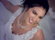 La mariée radieuse. Photo en studio