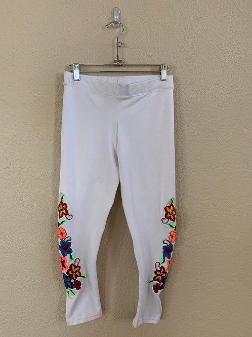 Brazilroxx White Capris W/ Embroidered Flowers