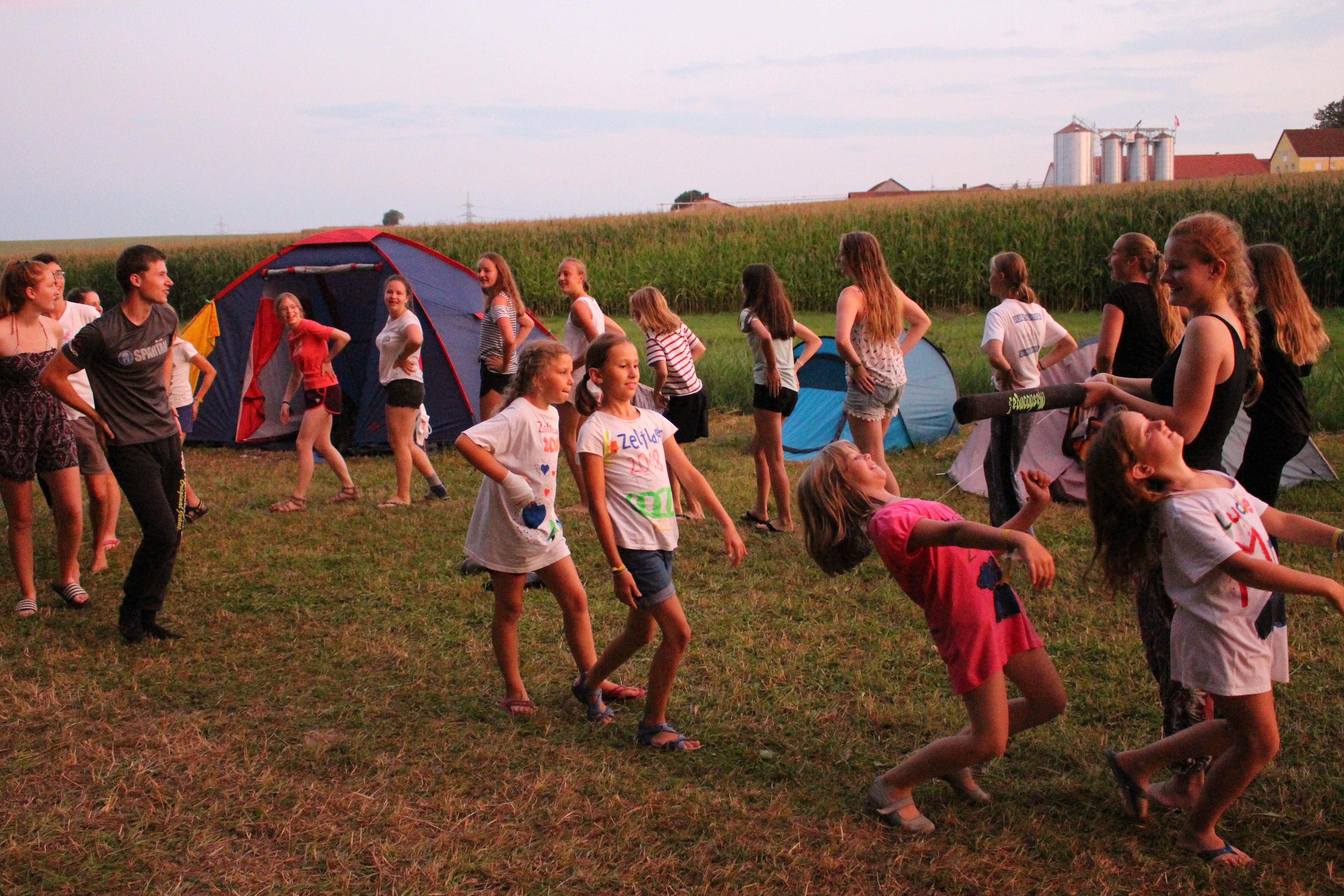 Zeltlager 18 - Limbo tanzen