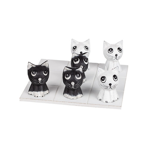 Tre i rad Katter
