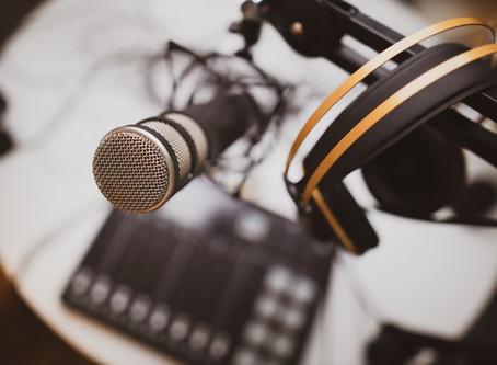Podcasts universitários para ouvir em tempos de distanciamento social