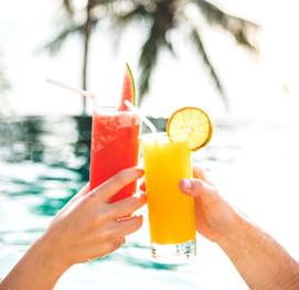 beverage-celebration-cheerful-1266020.jp