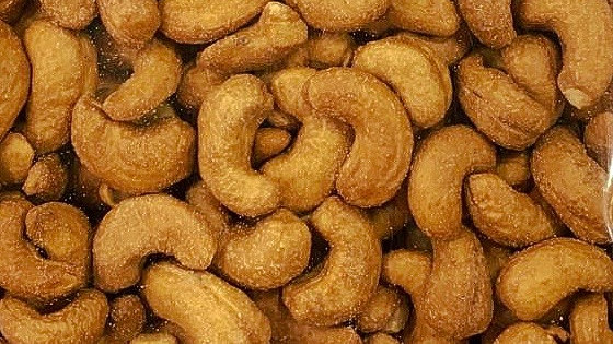 Roasted Cashew Nuts (Big) 烤腰豆