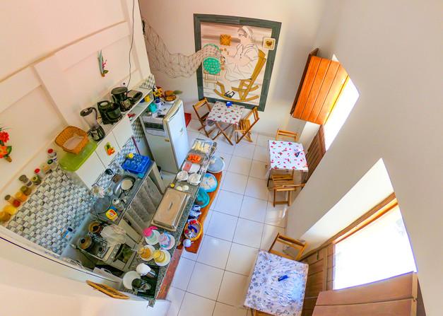 Café da Manhã servido em Cozinha Aberta
