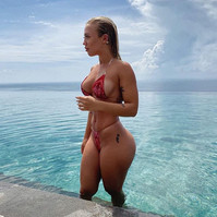 "_tammyhembrow in the ""Bloody"" bikini set"
