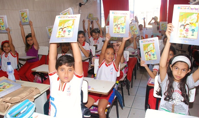 Madaleninha nas Escolas