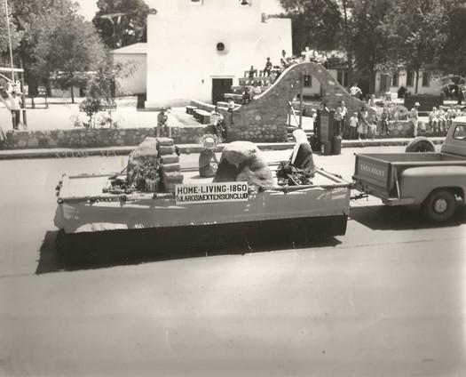 1960 Rose Festival Parade down St Francis