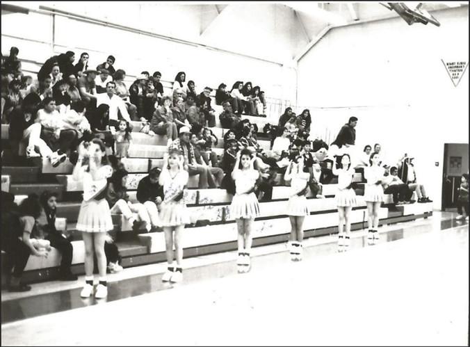 1992-93 Season Wildcat Cheerleaders