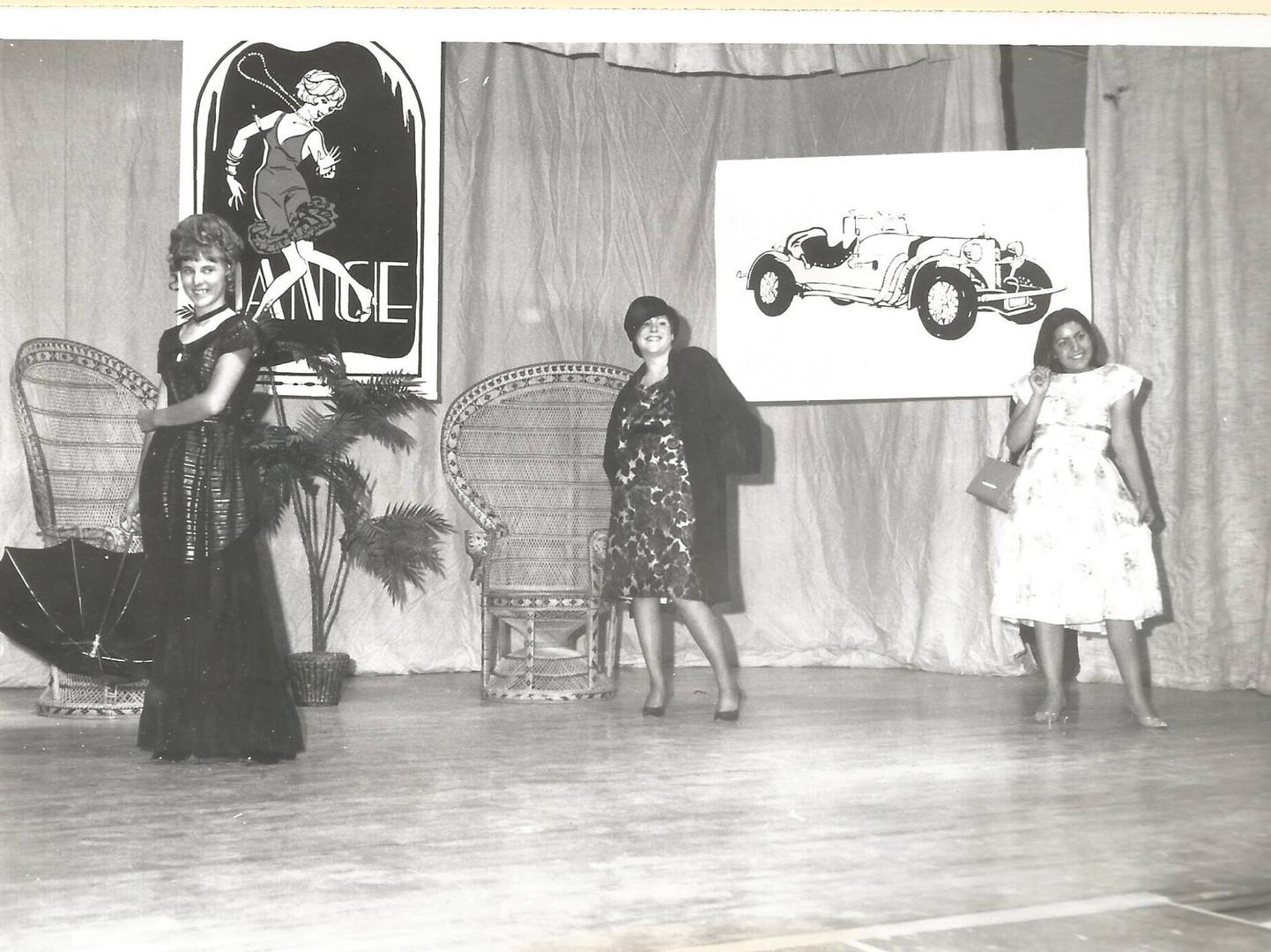 1976 Rose Festival Competition.jpg