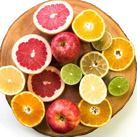 apples-chopping-board-citrus-793763.jpg