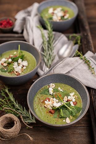 Gemüsesuppe mit Feta