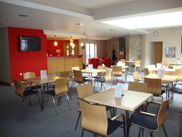 Coffee-bar-Meeting-Area.jpeg