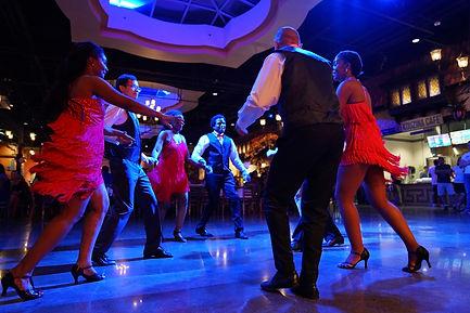 Bailamos-Dancing-at-Plaza-Mariachi.jpg